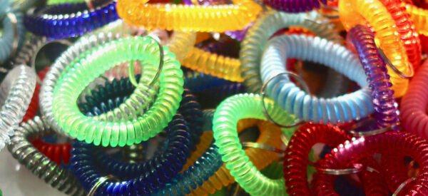 pile-of-stretchy-bracelets